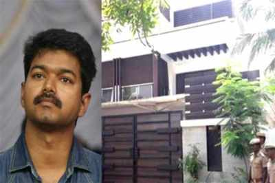 Vijay, chennai, bomb threat, vijay house, actor vijay, saligramam, bomb squad, police, raid, bomb scare, hoax, news in tamil, tamil news, news tamil, todays news in tamil, today tamil news, today news in tamil, today news tamil,