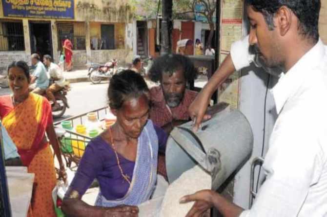corona virus, lockdown, migrant workers, free ration goods, chennai high court, tamilnadu government, news in tamil, tamil news, news tamil, todays news in tamil, today tamil news, today news in tamil, today news tamil