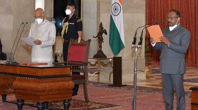 Girish Chandra Murmu sworn in as the Comptroller and Auditor General of India