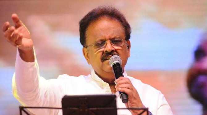 singer sp balasubrahmanyam, spb health condition, spb health continues to be critical, director bharathiraja calls for mass prayer, எஸ்பிபி உடல்நிலை கவலைக்கிடம், எஸ்பிபி-க்கு எக்மோ கருவி, வெண்டிலேட்டரில் எஸ்பிபி, mass pryer to speedy recover of singer spb, spb affected by covid-19, coronavirus, பாரதிராஜா கூட்டு பிரார்த்தனைக்கு அழைப்பு, எஸ்பிபி, எஸ்பி பாலசுப்ரமணியம், கொரோனா வைரஸ்