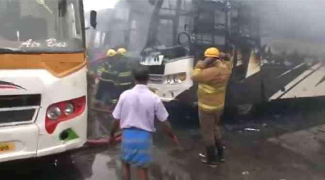 chennai koyambedu omni bus fire accident, சென்னை, கோயம்பேடு ஆம்னி பேருந்து நிலையத்தில் தீ விபத்து, 3 பேருந்துகள் எரிந்து நாசம், koyambedu omni bus fire, chennai 3 buses fully burned, chennai, koyambedu bus stand