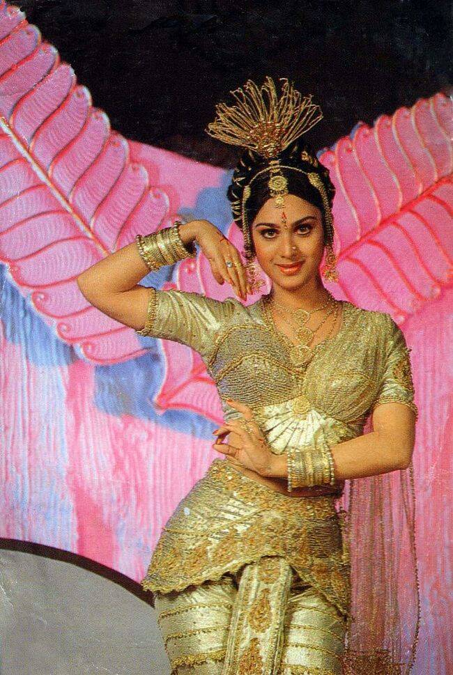 Tamil Actress who are classical dancers meenakshi sheshadri
