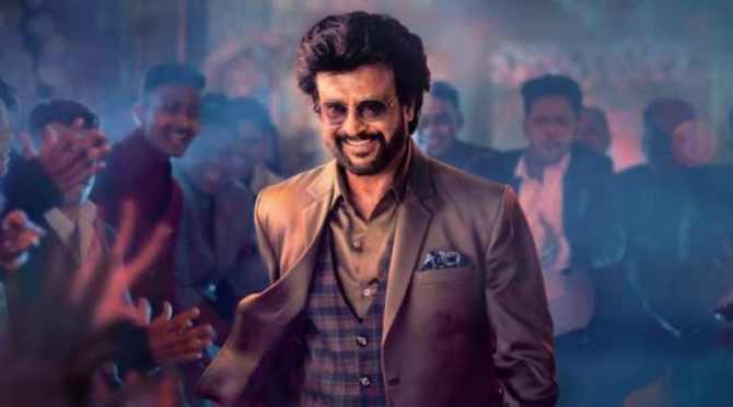 rajinikanth walking viral video, super star rajinikanth walking at poes garden street, rajini, tamil cinema news, ரஜினிகாந்த், ரஜினி நடைபயிற்சி வீடியோ, போயஸ் கார்டன், rajinikanth walking, rajini latest news, rajini politics, rajini political party