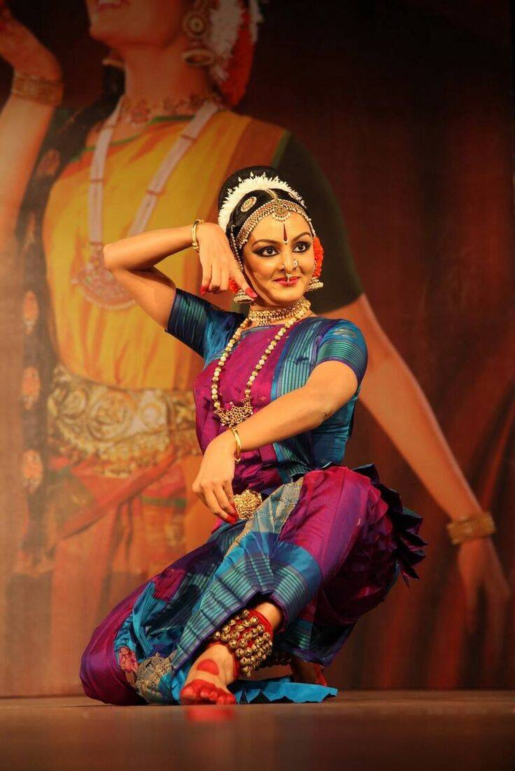 Tamil Actress who are classical dancers manju warrier