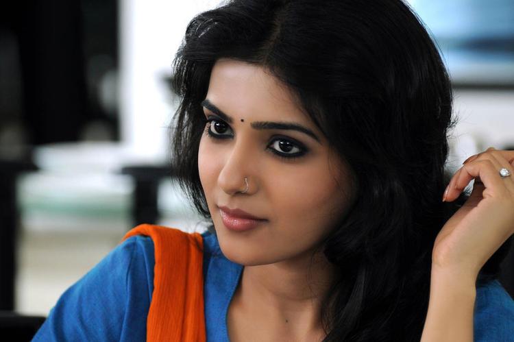 Tamil Actress with Nose Pin - samantha akkineni
