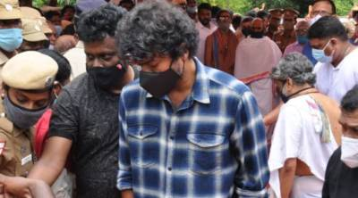Thalapathy Vijay Took His Fan Slipper Viral Video