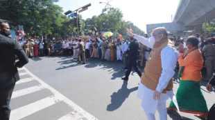 Amit shah welcome, union minister amit shah welcome to chennai, amit shah in chenai, அமித்ஷா சென்னை வருகை, அமித்ஷாவுக்கு உற்சாக வரவேற்பு, பாஜகவினர் உற்சாக வரவேற்பு, அமித்ஷா தமிழகம் வருகை, bjp cadres celebrations, bjp, chenai, amit shah warmed welcome in chennai, amit shah reception