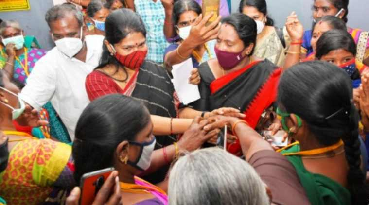 Kanimozhi launches campaign from edappadi, kanimozi cmpaign CM Palaniswami's edappadi constituency, dmk, vidiyalai nokki, கனிமொழி, திமுக எம்பி கனிமொழி, எடப்பாடியில் பிரசாரம் தொடங்கிய கனிமொழி, திமுக, முதல்வர் எடப்பாடி பழனிசாமி, stalinin kural, stalin voice, dmk campaign, 2021 tamil nadu assembly election