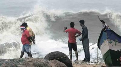 nivar cyclone, ndrf, tndrf, chennai ready to face nivar cyclone, நிவர் புயல், சென்னை நிவர் புயல் மீட்பு நடவடிக்கை, நிவர் புயல் செய்திகள், nivar cyclone news, nivar cyclone latest news, nivar cyclone updates, nivar landfall when, meteorological updates, நிவர் புயல் எப்போது கரையைக் கடக்கும், நிவர் புயல் பாதிப்பு, chennai corporation action on nivar cyclone