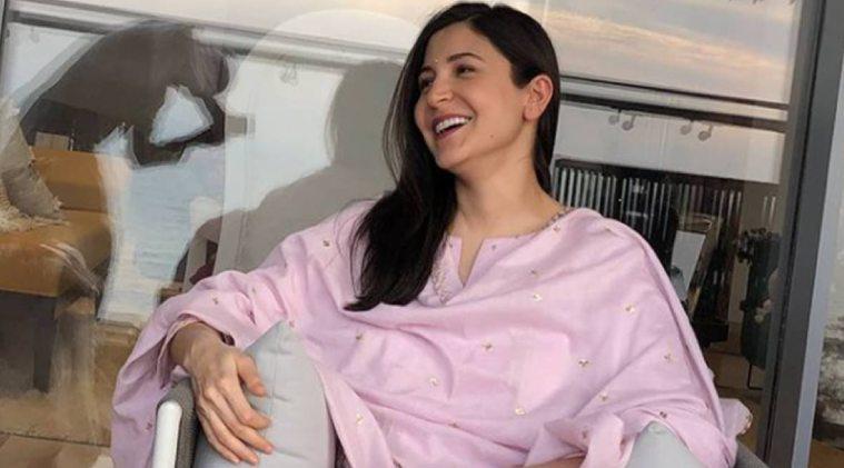 Anushka Sharma flaunts baby bump on fashion magazine's latest cover; looks gorgeous - வயிற்றில் குழந்தை... வைரல் அனுஷ்கா சர்மா