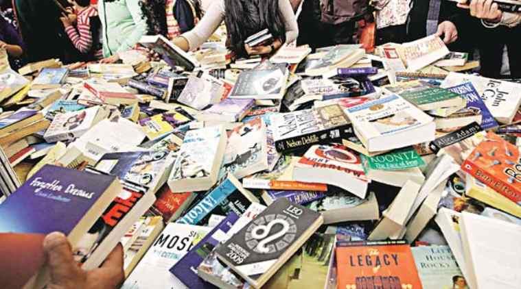 chennai alwarpet book fair, ஆழ்வார்பேட்டை புத்தகக் கண்காட்சி, கிலோ கணக்கில் புத்தகங்கள் விற்பனை, books sales in kg messures, alwarpet book fair