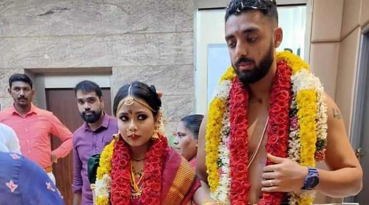 varun chakravarthy marriage, cricket player varun chakravarthy got married, வருண் சக்ரவர்த்தி, கிரிக்கெட் வீரர் வருண் சக்ரவர்த்தி திருமணம், varun chakravarthy married his girl friend, kkr player varun chakravarthy