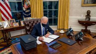 Joe Biden signs 17 orders to undo Donald Trump Legacy Biden Day 1 Tamil News