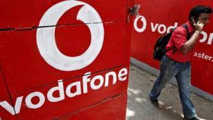 Vodafone Prepaid Plans giving extra 5gb data under Rs 600 Tamil News