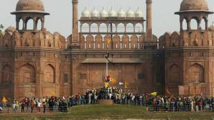 Delhi protest Republic Day violence FIRs and under pressure called off its march to Parliament House on February 1. - வன்முறை எதிரொலி: நாடாளுமன்ற முற்றுகையை வாபஸ் பெற்ற விவசாய அமைப்புகள்