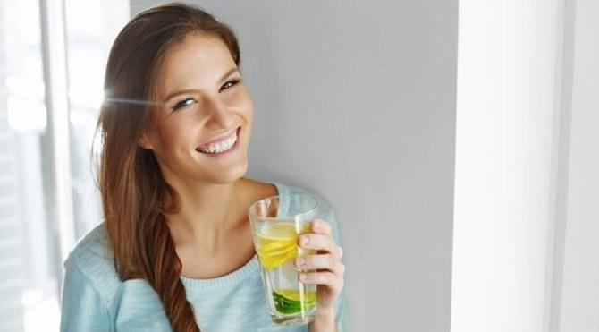 r u bored of drinking water why don't try this tasty water சாதாரண தண்ணீரை குடித்து உங்களுக்கு சலித்து விட்டதா? நீங்கள் ஏன் இந்த சுவையான தண்ணீரை பருக கூடாது!