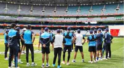 indian cricket team at 5 star prison Brisbane at Trembling - 5 ஸ்டார் சிறையில் இந்திய வீரர்கள்? பிரிஸ்பேன் நடுக்கம்