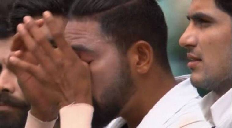 ind vs aus at sydney ground during national anthem mohammed siraj gets emotional - சிட்னியில் தேசிய கீதம் பாடிய போது உணர்ச்சி வசப்பட்ட சிராஜ்: வீடியோ
