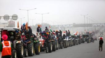 Farmers Tractor Protest against new law in Delhi Tamil News