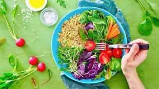 Immunity-boosting foods for women over 40 - 40 வயதிற்கு மேல் உள்ள பெண்கள் நோய் எதிர்ப்பு சக்தியை அதிகரிக்க உண்ண வேண்டிய