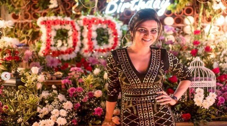 Anchor DD Dhivya Dharshini Birthday Party Pictures Tamil News
