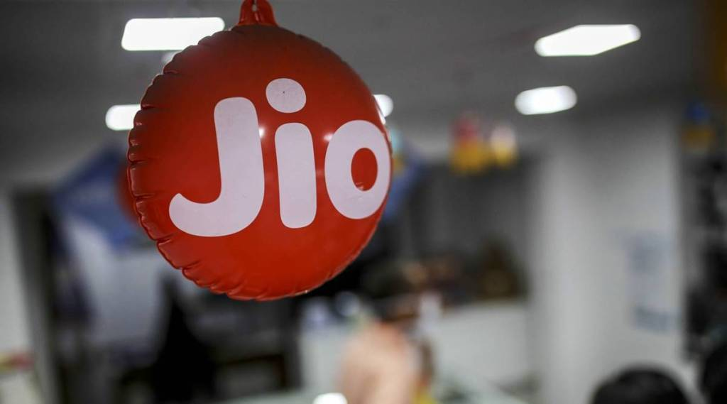 Jiofiber offers 150mbps unlimited data 12 ott apps netflix rs 999 plans price Tamil News