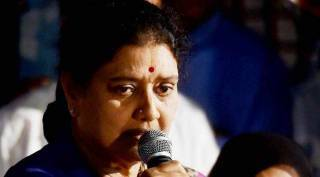 vk sasikala, sasikala sasikala alliance with whome, ammk, ttv dinakaran, tamil nadu assembly elections 2021, சசிகலா, அமமுக, சசிகலா யாருடன் கூட்டணி, dmdk, premalatha vijayakanth, sasikala welcome back to chennai