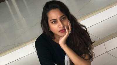 surekha vani, ajith fans, vijay fans, social meda, actress surekha vani tweet, trending news, tamil trending news, vijay fans ajith fans clash