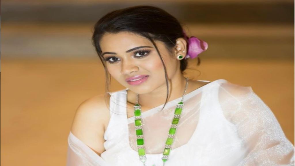 Pandavar Illam Arthi Subash Skincare routine Beauty tips Tamil News