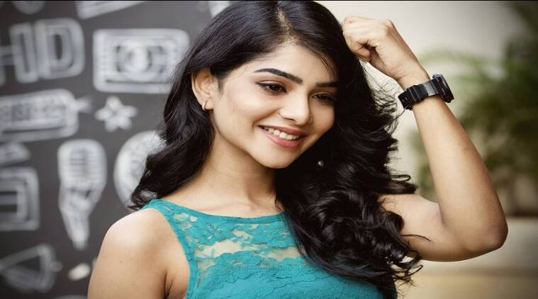 Pavithra Lakshmi skincare secrets Cooku with Comali viral Pavithra Lakshmi Photoshoot Tamil News