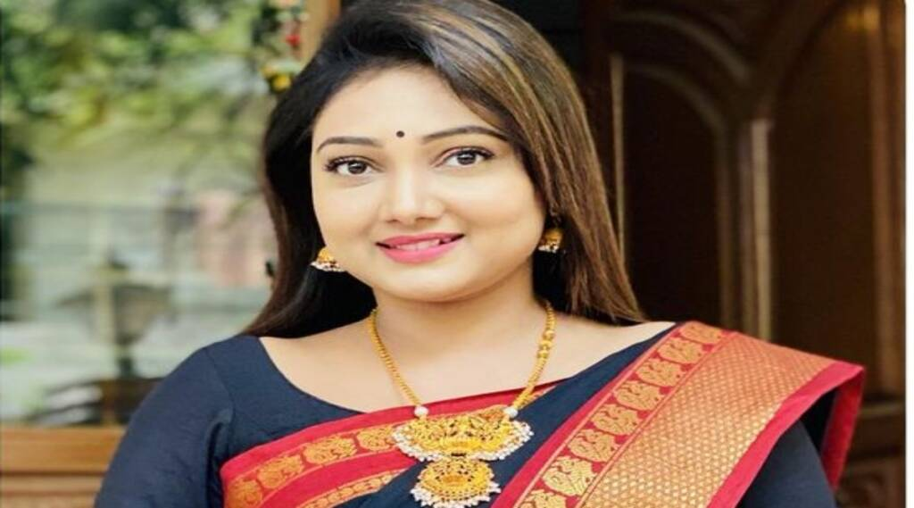 Roja Serial Priyanka Nalgari Youtube Channel Review Tamil