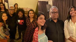 suresh chakravarthy, bigg boss 4 cooku with comali contestants get together, pugazh, pavitra lakshmi, சுரேஷ் சக்ரவர்த்தி, பிக் பாஸ் 4, குக் வித் கோமாளி, புகழ், சனம் ஷெட்டி, ஷிவானி, பாலாஜி, கனி, ஷகிலா, பவித்ரா லட்சுமி, kani, bigg boss balaji, shivani, rekha, anitha sambath, cook with comali, shakila, viral photos, tamil viral news, tamil entertainment news