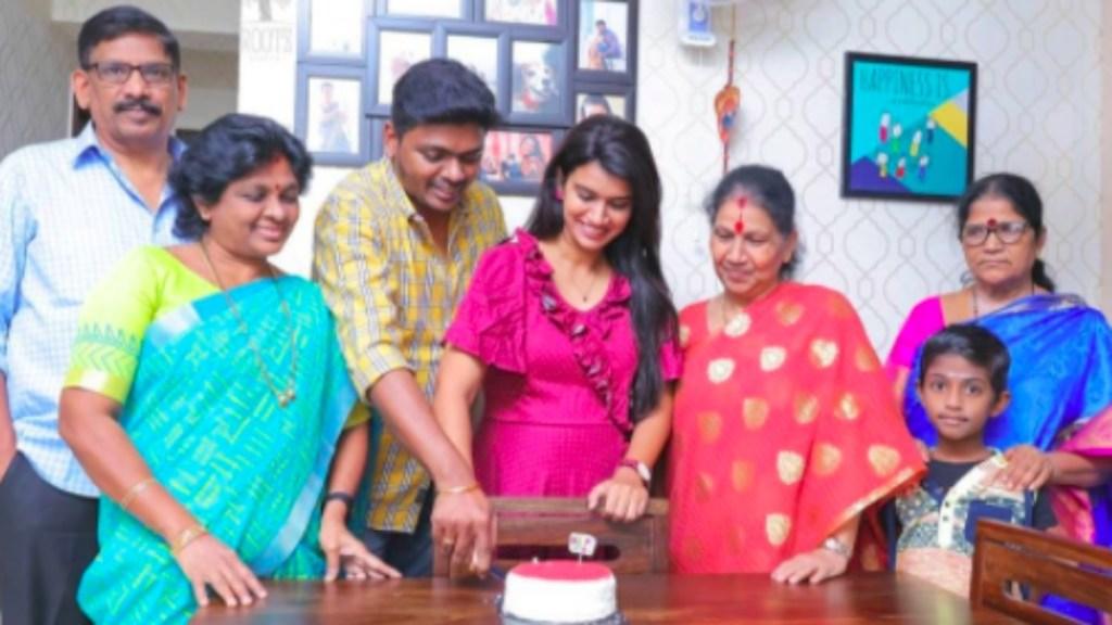 Serial actress Actress Sridevi Ashok Tamil News: Sridevi Ashok celebrating her birthday and wedding anniversary