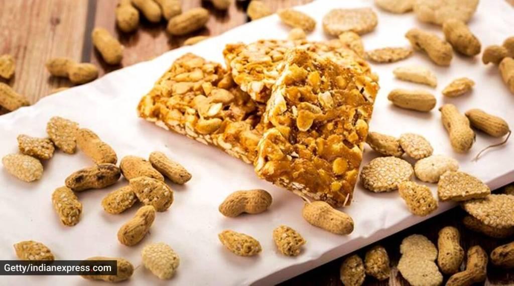 Peanut and jaggery, பர்பி, Peanut and jaggery barfi, groundnut jaggery barfi, வேர்க்கடலை, வெல்லம் பாகு, வெல்லம் வேர்க்கடலை, பர்பி, வேர்க்கடலை மிட்டாய், நன்மைகள், A healthy combo Peanut and jaggery, healthy combo Peanut and jaggery, healthy snacks, healthy combo, food tips, healthy food tips