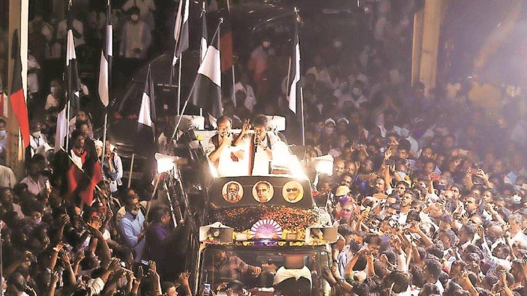 India news in tamil Udhayanidhi Stalin targets PM; Swaraj, Jaitley daughters protest