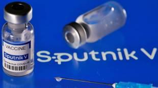 Russias Sputnik V Covid vaccine, கொரோனா வைரஸ், ஸ்புட்னிக் வி, கோவிட் தடுப்பூசி, ரஷ்யாவின் ஸ்புட்னிக் வி தடுப்பூசி, Sputnik V Covid vaccine, Sputnik V gets nod from expert panel, இந்தியா, நிபுணர்கள் பரிந்துரை, India, coronavirus, covid 19 vaccine