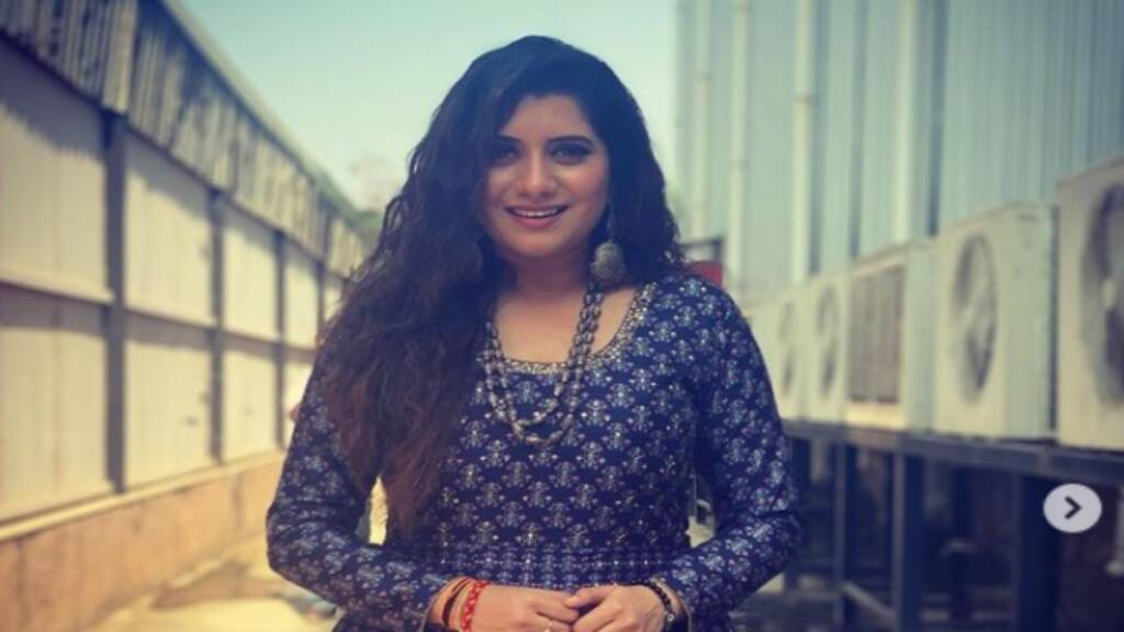 Super Singer Anchor Priyanka Wardrobe and Room Tour Tamil News
