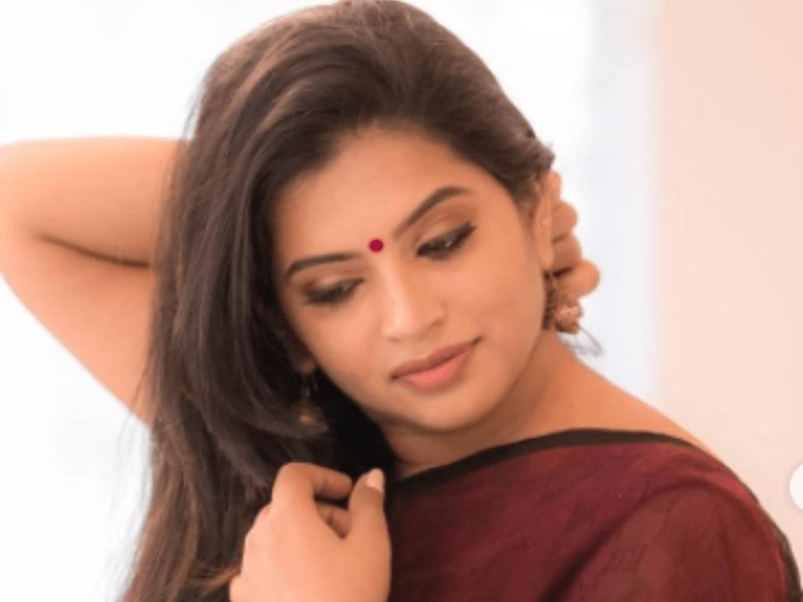 serial actress akhila, abhiyum nanum girija
