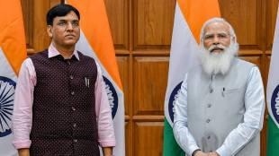 MP Mansukh Mandaviya with Prime Minister Narendra Modi