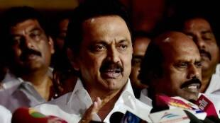 Stalin consoles EPS OPS in Madhusudhanan Funeral Tamil News