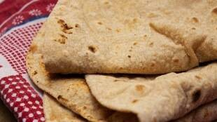 Chappathi recipe Tamil: how to make chapati in cooker tamil viral video