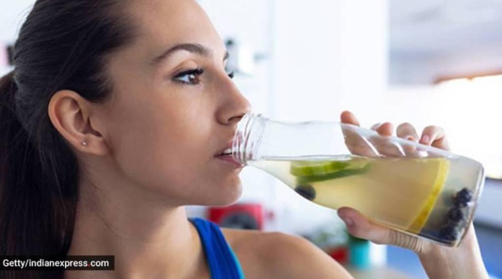 Health Drinks, glass of warm lemon water with fenugreek seeds benefits, warm lemon water, soaked fenugreek benefits, வெதுவெதுப்பான லெமன் வாட்டர், ஊறவைத்த ஒரு ஸ்பூன் வெந்தயம், fenugreek seeds, Health Drinks of warm lemon water, health drinks benefits