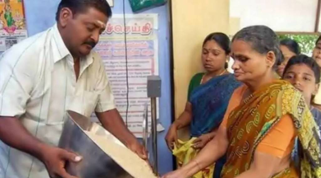 Ration cards, rs 1000 incentives for head women of family, local body elections, local body polls, dmk, aiadmk campaigns, dmk campaigns, kanimozhi, edappadi palaniswami, பெண்களுக்கு ரூ1000 உதவித்தொகை, உள்ளாட்சி வேட்பாளர்களை துளைக்கும் மக்கள், ஊரக உள்ளாட்சி தேர்தல், திமுக, அதிமுக, கனிமொழி, இபிஎஸ், ration cards apply, ration card online apply, tamil nadu, rs 100 incentives