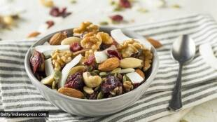 Health tips in tamil: benefits of eating soaked almonds and walnuts empty stomach tamil