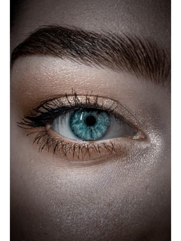 eyes 3 - unsplash (1)