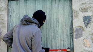 Trending news Burglar leaves message for SDM